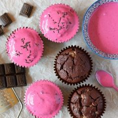 An easy to make beetroot and chocolate muffin style cupcake, which is just as delicious with or without the vibrant pink beetroot frosting.