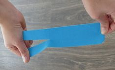Taping Hallux Valgus- Hallux Valgus tapen This position is fixed. Sand Blonde Hair, Health And Wellness, Health Fitness, Fitness Tips, Bunion, Curly Hair Tips, Blog Love, Natural Health, Body Care