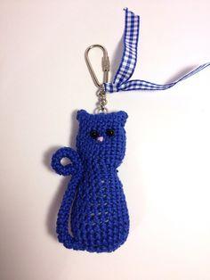 Blue crochet cat bag charm £4.00