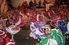 """O Sesc Ler Buíque, de Pernambuco, em comemoração ao São João, promove o V Festival de Quadrilhas Juninas de Buíque de 10 a 11 de junho. O Festival segue a tradição dos anos anteriores e reúne as quadrilhas da cidade e da região. Os interessados em participar do evento devem se inscrever na unidade, pelo...<br /><a class=""""more-link"""" href=""""https://catracalivre.com.br/geral/agenda/barato/v-festival-de-quadrilhas-juninas-2/"""">Continue lendo »</a>"""