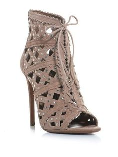 Alaia. YES!!! Nice!!! High Heel meets crochet patterning