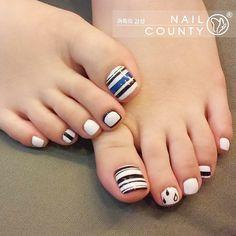 #nailcounty #nail #nailart #gelnail #gelnailart #busannail #nailstagram #naildesign #newnail Pedicure Designs, Pedicure Nail Art, Toe Nail Designs, Toe Nail Art, Pretty Toe Nails, Cute Toe Nails, Gorgeous Nails, Feet Nail Design, Mobile Nails