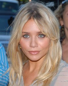 Google Image Result for http://www.dailymakeover.com/appImages/galleryImages/all_womens_looks/Ashley_Olsen%2BAug_20_2006.jpg