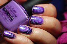 Picture Polish purple roses nail art, freehand.http://dorothynailassay.com/