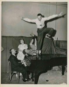 Lucille Ball ,Harpo Marx ,Fred Astaire,... (LIFE)