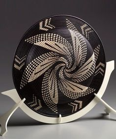 This not woven, but check out this site for some beautiful basket illusions in wood by artist David Nittman Native American Baskets, Indian Baskets, Pine Needle Baskets, African Home Decor, Pine Needles, Weaving Art, Gourd Art, Wood Sculpture, Wood Turning