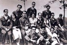 Federico García Lorca con los actores de la Barraca.