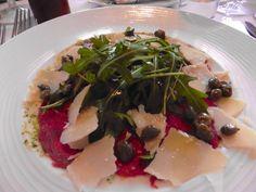 Carpaccio mit Parmesan und Ruccola Parmesan, Chicken, Food Food, Woman, Cubs, Kai