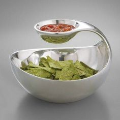 Nambe Serveware, Scoop Server - Serveware - I want this bowl! Chip And Dip Bowl, Chips And Salsa, Gadgets And Gizmos, Clever Gadgets, Amazing Gadgets, Fun Gadgets, Cool Gadgets To Buy, Kitchen Gadgets, Kitchen Tools