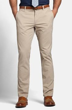 What Are Chinos and How Men Should Wear Them? Chinos Men Outfit, Khaki Pants Outfit, What Are Chinos, Business Casual Men, Men Casual, Slim Fit Pants, Swagg, Men Dress, Formal Pants