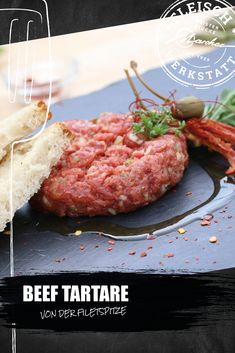 """Wer seine Filetsteaks gerne selbst schneidet, steht notgedrungen vor der Frage: """"Was tun mit der Filetspitze?"""" Wir empfehlen ein herrlich-sommerliches Beef Tartare! Beef Tartare, Steak, Food, Meat, Easy Meals, Cooking Recipes, Kochen, Food Food, Meal"""