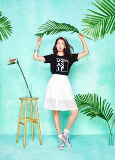 Park shin hye - Korean Fashion. Korean Fashion Summer, Korean Fashion Casual, Korean Fashion Trends, Korean Street Fashion, Kpop Fashion, Jung So Min, Park Shin Hye, Korean Photoshoot, Vogue