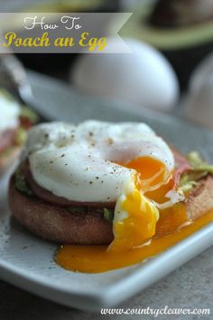 Avocado Eggs Benedict and How To Poach an Egg - www.countrycleaver.com