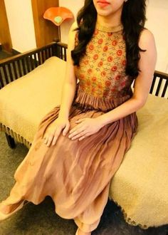 Dress fancy long neckline for 2019 Churidar Designs, Kurta Designs Women, Fancy Blouse Designs, Dress Neck Designs, Kalamkari Dresses, Kalamkari Tops, Kurtha Designs, Salwar Pattern, Beautiful Long Dresses