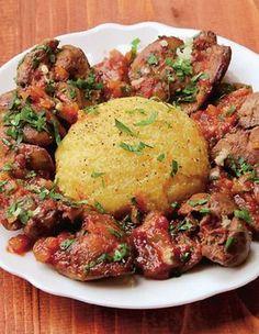 Asta mâncăm astăzi - ficăței cu sos și mămăliguță!