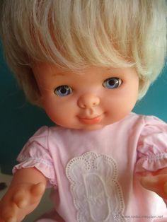 Muñeca muy graciosa MAY ?bebé de famosa -años 70-OJOS MARGARITA