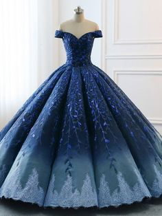 Robe de mariage : High Quality 2018 Modest Prom Dresses Ombre Royal Blue Wedding Evening Dress Gradient Blue Shade Sequin Women Formal Party Gown Bride Gown, Check more at. Long Red Evening Dress, Floral Evening Dresses, Evening Dresses For Weddings, Dress For Wedding, Dress Long, Evening Gowns, Wedding Gowns, Colorful Wedding Dresses, Wedding Bouquets