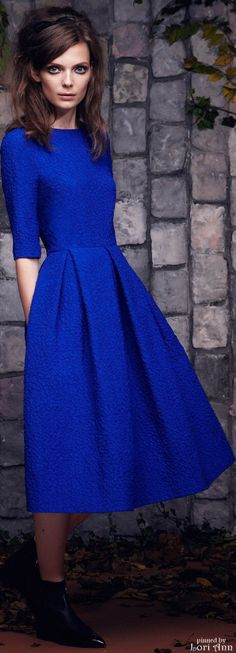 Love this color and the long lines of it ... | Saloni Pre-Fall 2015