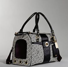 I've noticed that when it comes to designer accessories like handbags, fans love to match them with other accessories. So if they buy a Gucci handbag, they'll want a Gucci wallet and key chain. and a Gucci pet carrier too. Dog Accesories, Pet Accessories, Animal Fashion, Fashion Bags, Fashion 2016, Dog Carrier Purse, Airline Pet Carrier, Black Coach Purses, Animals