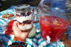 The Perfect Picnic: No bake berry cream pie  fresh watermelon juice.  #picnic #summer