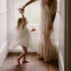 Mommy and Me - Danielle Lentz Photography Lifestyle Fotografie, Lifestyle Photography, Children Photography, Mommy Daughter Photography, Canal Saint Martin, Kids Part, Mom Daughter, Mother Daughter Photos, Mother And Child