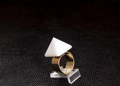 Hey, j'ai trouvé ce super article sur Etsy, chez https://www.etsy.com/fr/listing/152662247/blanc-pyramide-aventurine-bague-anneau