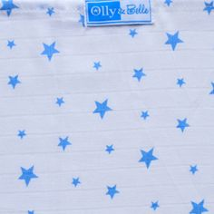 Olly and Belle - Blue Stars Baby Muslin This beautiful 100% cotton square Blue Stars Muslin from Olly and Belle is perfect for baby.