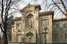 Acquario civico di  Milano. Fu inaugurato nel 1906 Milan nella palazzina di via Gadio nei pressi del Parco Sempione ed è stato ristrutturato nel 2015  per la gioia dei bambini .