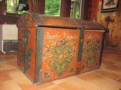 Antique immigrant chest--rosemaled