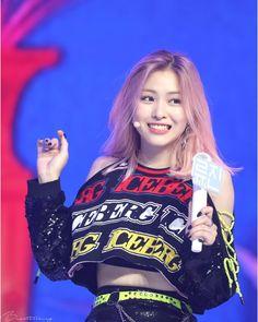 South Korean Girls, Korean Girl Groups, Comeback Stage, My Girl, Cool Girl, Korean Princess, Korean Celebrities, Kpop Outfits, K Idols