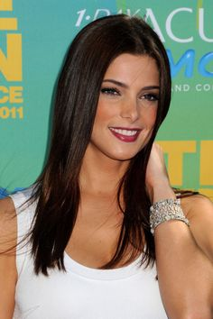 ashley greene=lipstick,skin tone,hair!