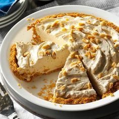 Peanut Butter Cream Pie Recipe -During the warm months, it's nice to have a fluffy, no-bake dessert that's a snap to make. Packed with peanut flavor, this pie gets gobbled up even after a big meal! Butter Cream Pie Recipe, Peanut Butter Cream Pie, Cream Pie Recipes, Peanut Butter Desserts, Coconut Dessert, Pie Dessert, Dessert Recipes, Quick Dessert, Dessert Ideas