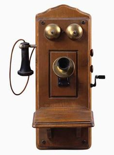 Telephones had no dials in the first part of the Instead of dialing, callers told a telephone operator the number they wanted to call. Antique Phone, Antique Clocks, My Furniture, Antique Furniture, Kids Homework, Vintage Phones, Victorian Dolls, Old Phone, Cute Home Decor