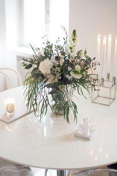 Kitchen Interior, Room Interior, Interior Design, Kitchen Dining, Dining Room, Vintage Flowers, Home Kitchens, Sweet Home, Valentines