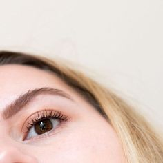 A trend that I've been really getting into recently and quite enjoying! Some days, especially no-make-up-make-up-days I feel the urge to have a crazy brow.… The post Fluffy Eyebrows. appeared first on