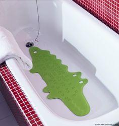 Un crocodil prietenos pentru micuțul tău explorator. www.IKEA.ro/covoras_baie_PATRULL