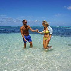 "ad3dd6755e Lotty Bunbury on Instagram: ""Smiles all round, it's the weekend!⠀ .⠀ .⠀ .⠀  .⠀ .⠀ #couplesholiday #couplesgetaway #caribbeanholiday #turquoisesea ..."