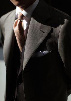 bntailor:  B&Tailor Wool Tie B&Tailor Autumn Coat Tie, Coat Detail.