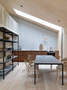 COCO LAPINE DESIGN -COCO LAPINE DESIGN Beautiful Kitchens, Cool Kitchens, Tidy Kitchen, Kitchen Dinning, Dining Rooms, Home Interior Design, Interior Decorating, Decorating Kitchen, Kitchen Trends
