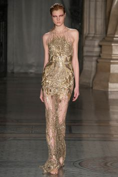Julien Macdonald | Fall 2014 Ready-to-Wear Collection