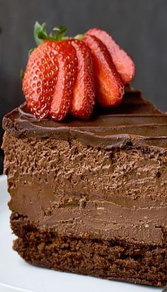Quadruple Chocolate Mousse Cheesecake Recipe ~ contains expresso. Flourless chocolate cake, chocolate cheesecake, chocolate mousse, and chocolate ganache make up this 4 layer chocolate delight! 13 Desserts, Chocolate Desserts, Delicious Desserts, Dessert Recipes, Yummy Food, Chocolate Ganache, Choco Chocolate, Flourless Chocolate, Chocolate Heaven
