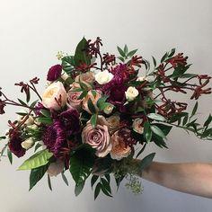 Lovely autumn bouquet for Mahroo! .. .. #rachelaclingen #autumn #autumnwedding #fall #bouquet #flowers #love#weddingflowers