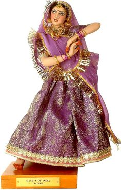 Dance of India,Khathak Indian Costumes, Paper Mache Crafts, Indian Dolls, Girls Together, Bride Dolls, Photography Poses Women, Indian Festivals, Indian Dresses, Indian Wear