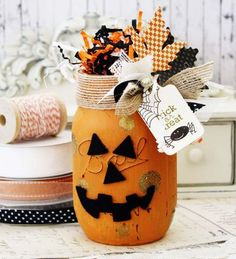 I'd probably do this as a fall jar without the pumpkin face or halloween tagmason jar stamping.I'd probably do this as a fall jar without the pumpkin face or halloween tag Halloween Mason Jars, Fete Halloween, Halloween Crafts, Holiday Crafts, Halloween Decorations, Halloween Centerpieces, Mason Jar Gifts, Mason Jar Diy, Mason Jar Projects