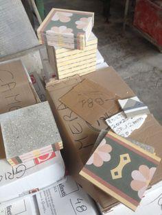 Decoro in pastina di cemento - Cement tile decorated tile