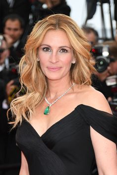 A Celebration of Julia Roberts Most Iconic Hair Moments Photos | W Magazine
