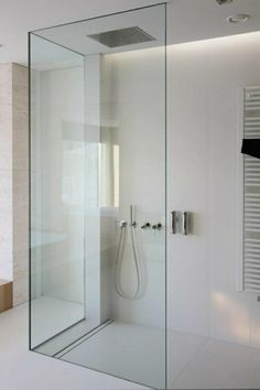 Walk-in shower with glass shower screens freshideen.com/badezimmer-ideen/begehbare-dusche.html