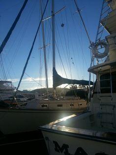 Muelle y barcos