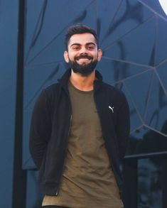 Here you can find most impressive collection of Virat Kohli Wallpapers to use as a background for your iPhone and Android device. Anushka Sharma Virat Kohli, Virat And Anushka, India Cricket Team, Cricket Sport, Virat Kohli Beard, Virat Kohli Instagram, Virat Kohli Wallpapers, Wedding Dresses Men Indian, Cool Hairstyles For Men