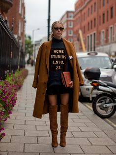 Love this color combo - rust/ autumn combined with black - Pernille teisbæk